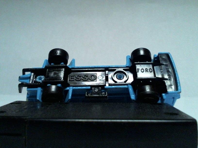 N°241-245 Ford Citerne Ford241245citerneESSO02