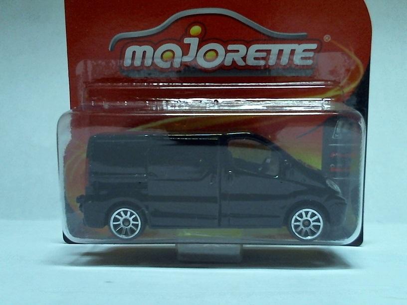 N°239B Renault Trafic RenaultTrafic239B01