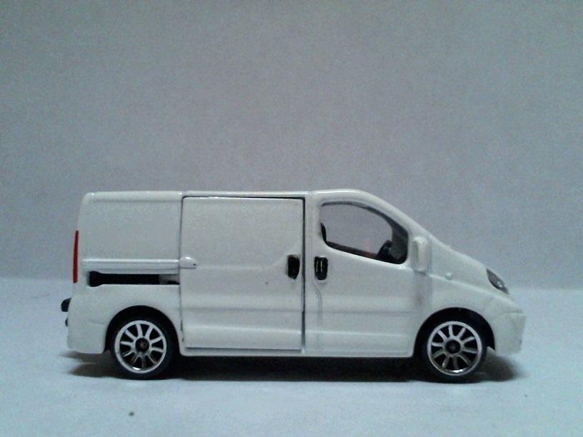 N°239B Renault Trafic RenaultTrafic239B05