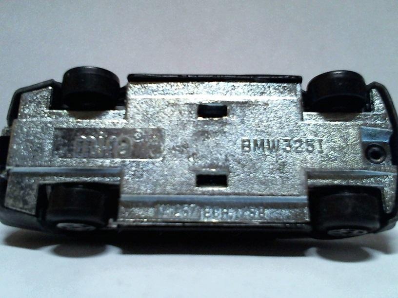N°257 BMW 325i BMW325i257Mira02
