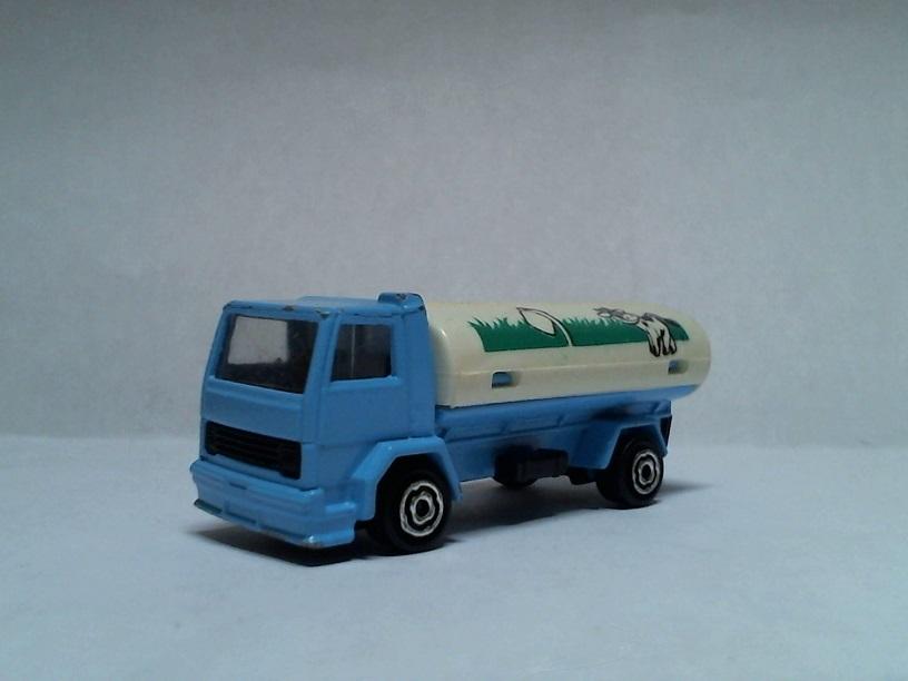 N°241-245 Ford Citerne Ford241245citerneESSO01
