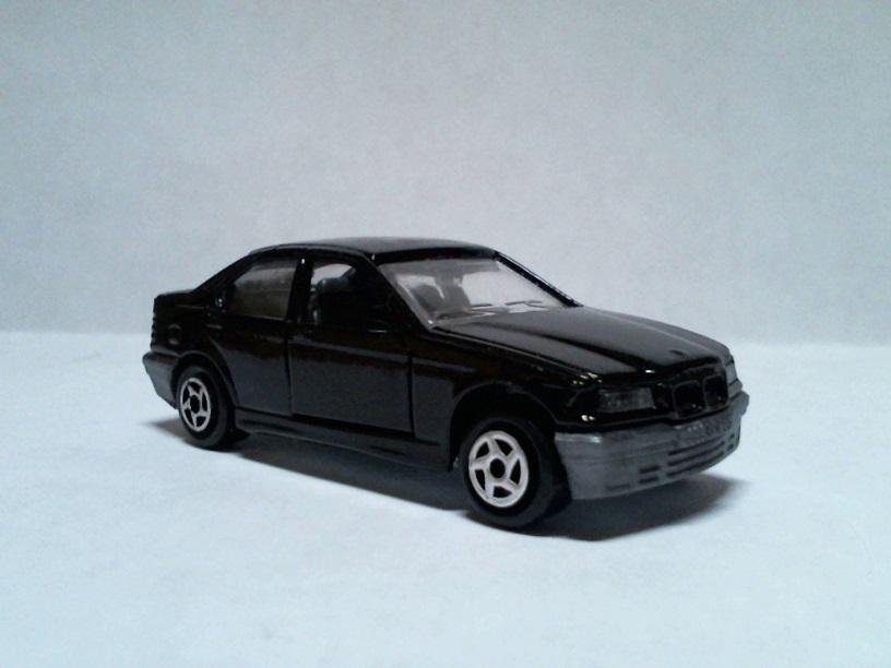 N°257 BMW 325i BMW325i257Mira01